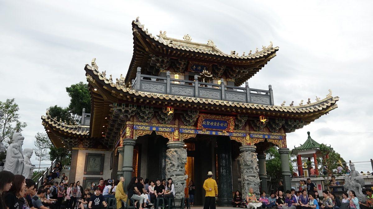 台中 觀音山 玉佛寺